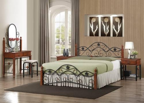 Кровать металлическая в деревянным декором, город Рязань